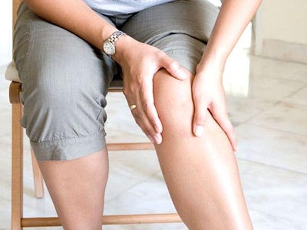Причины артрита коленей разнообразны