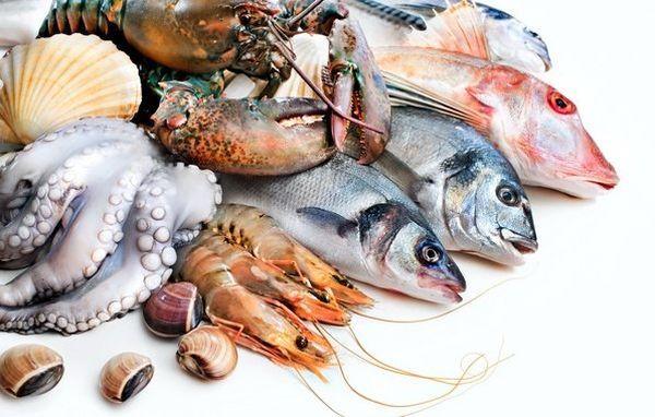 Необходимо употреблять морепродукты