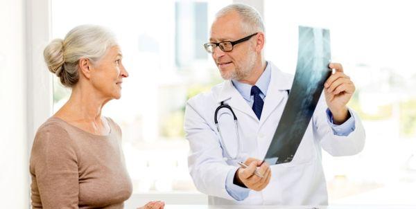 Травматолог устраняет первопричину заболевания