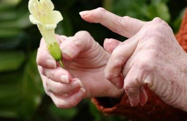 Инъекция золотой соли поможет избавиться от ревматоидного артрита