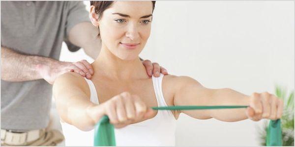 Лечебная гимнастика облегчит состояние при плечелопаточном периартрите