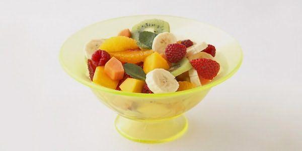 Фрукты и ягоды можно при подагре