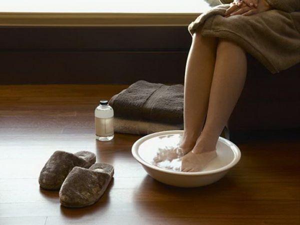Теплые ванночки для ног полезны при подагре