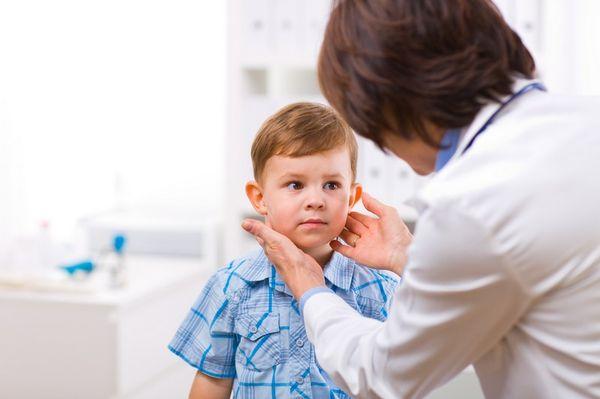 Следует обезопасить ребенка от переохлаждения