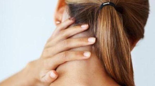 Шейный миозит сопровождается болью