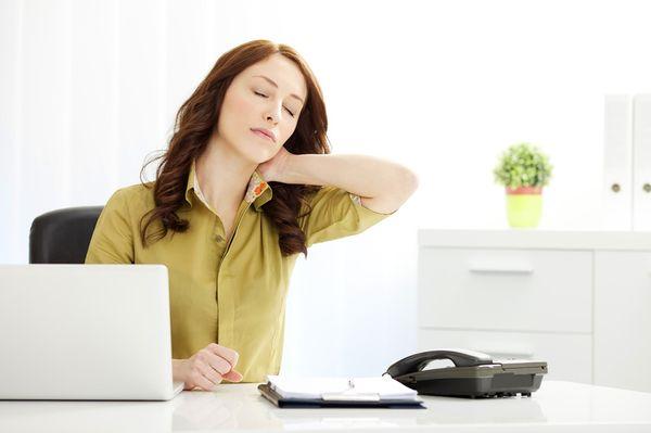 Сидячий образ жизни негативно действует на позвоночник