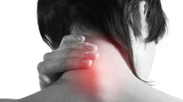 Спондилез сопровождается болью