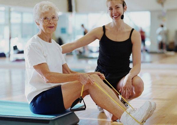 Гимнастика при остеопорозе для пожилых: какие делать упражнения?