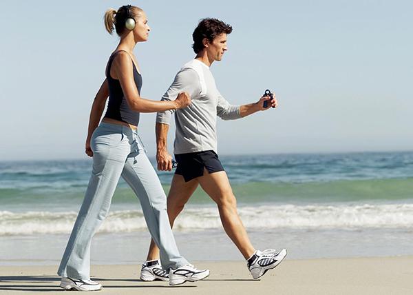 Неврологи рекомендуют больше ходить пешком