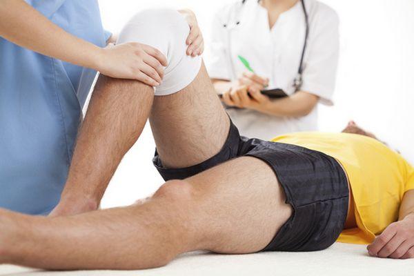 Киста Бейкера (Беккера): симптомы, причины, лечение, операция
