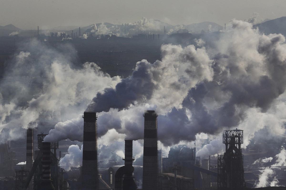 Плохая экология в месте проживания – одна из причин развития патологии